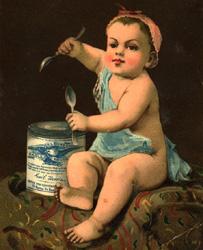 Ребенок ест сгущенку