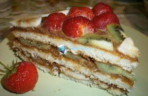 Торт со сгущенкой и фруктами