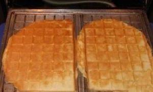 Обжариваем тесто