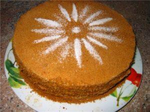 Торт Рыжик с кремом из сгущенного молока