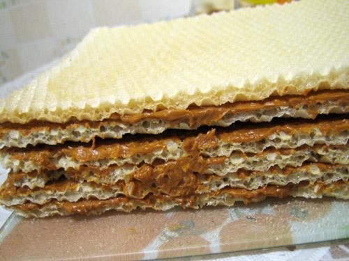 Как сделать торт из коржей со сгущенкой фото 640