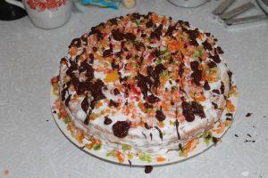 Украшаем торт шоколадом