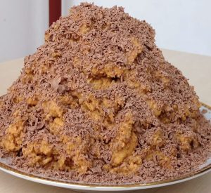 Торт Муравейник из печенья без выпечки со сгущенкой