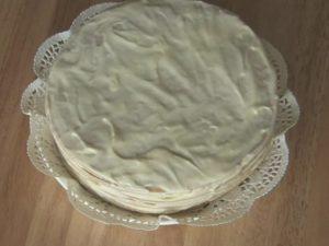 Смазываем торт