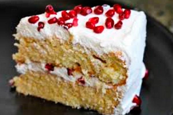 Торт с вареной сгущенкой и фруктами