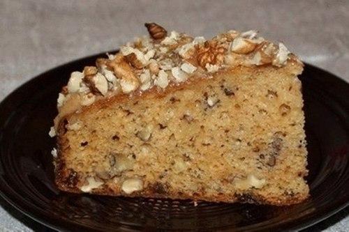 пирог с сгущенным молоком и орехами