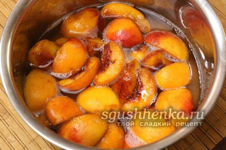 Персики в соку