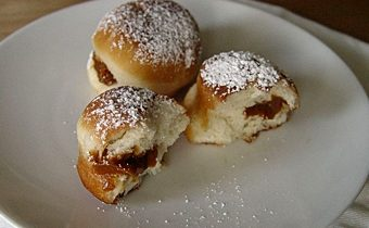 Пончики с вареной сгущенкой
