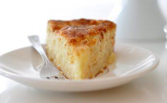 Песочный пирог с творогом и сгущённым молоком