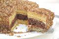 Простой и вкусный торт со сгущенкой