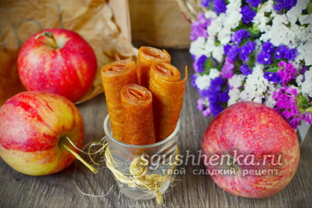 готовый десерт из яблок