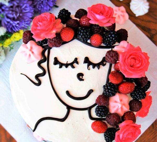 Торт с йогуртом и ягодами