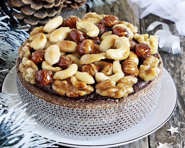 Целые орехи