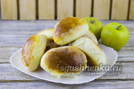 Легкие в приготовлении пирожки с яблоками в духовке