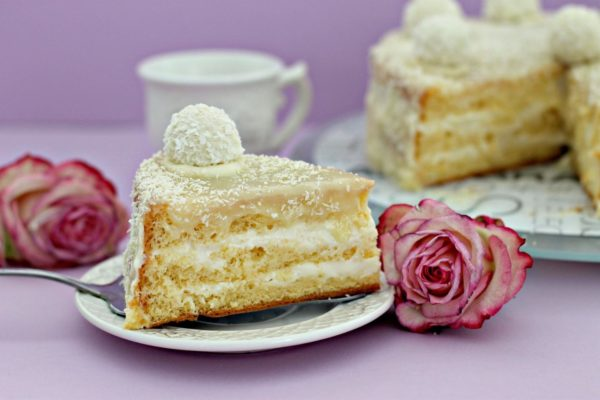 """Невероятно нежный торт """"Рафаэлло"""" – кулинарный рецепт"""