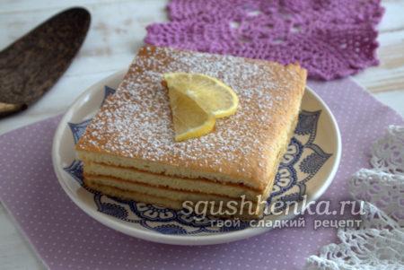 бисквитное пирожное с джемом к чаю