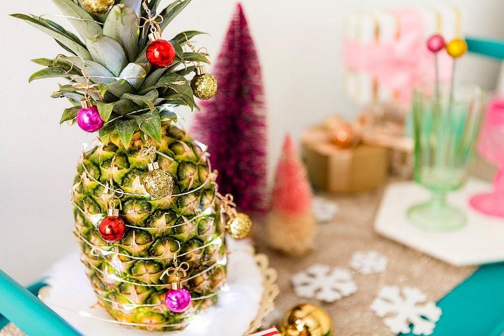 нарядный ананас