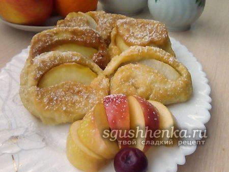 оладьи-ватрушки с фруктами