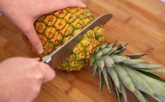 как правильно есть ананас