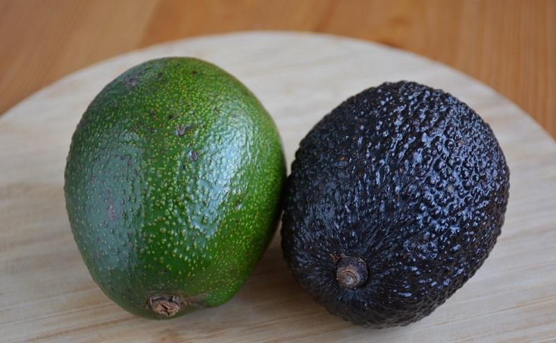 Как правильно выбрать спелое и вкусное авокадо в магазине