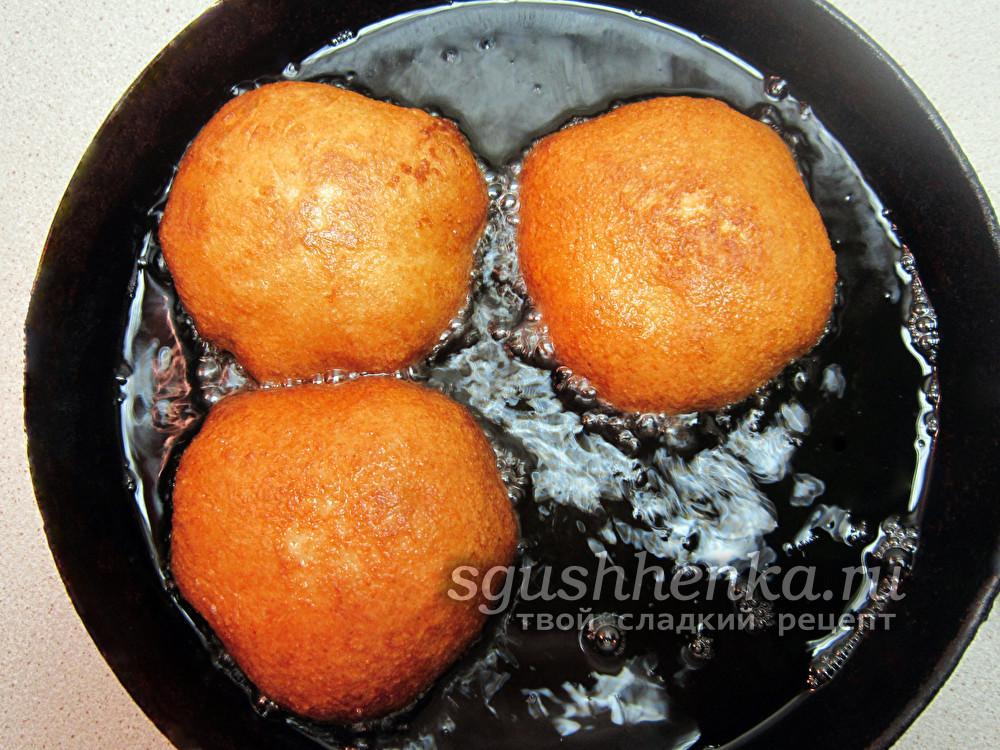 пончики на сковороде