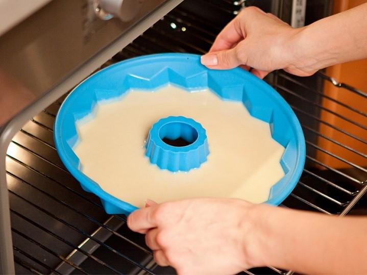 Как правильно выпекать в силиконовой форме в газовой и электрической духовке