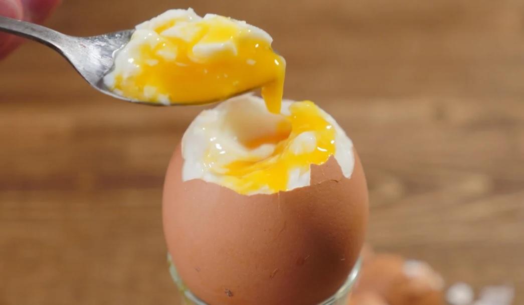 Сколько минут варить яйца всмятку после закипания воды