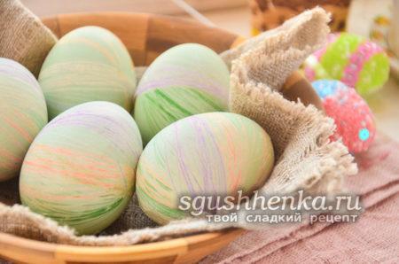 красиво покрашены яйца