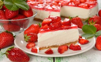 Десерты с клубникой - рецепты с фото простые и вкусные, без выпечки