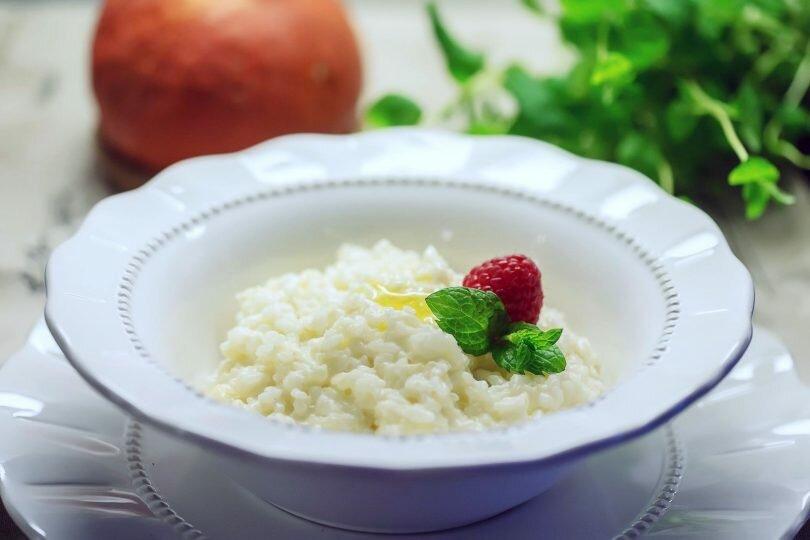 Рисовая каша в мультиварке: лучшие идеи для вкусного и сытного завтрака