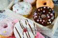 разноцветные пончики