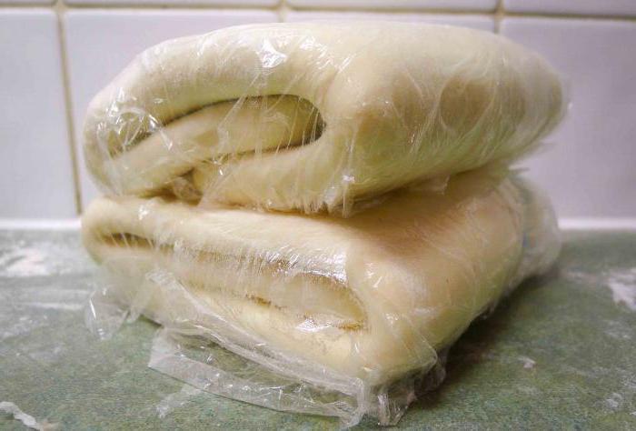 Как быстро разморозить тесто из морозилки без микроволновки