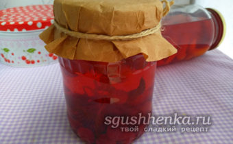 компот ассорти из ягод с базиликом