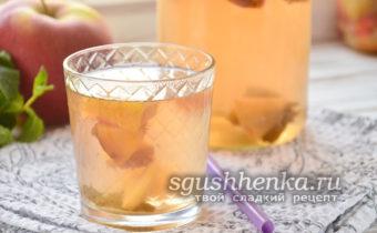 мятный компот из яблок и персиков на зиму