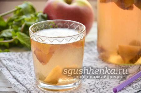 мятный компот из яблок