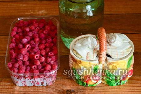 ингредиенты для малинового компота