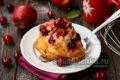 любимая шарлотка с ягодами