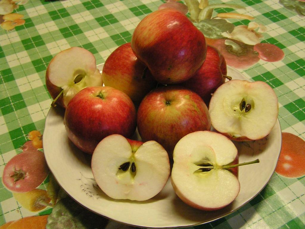порезанные яблоки для хранения
