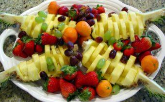 Как подать фрукты на праздничный стол на Новый год: простые рецепты с фото
