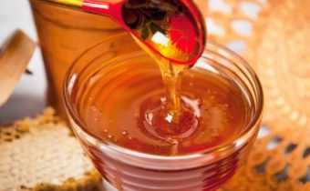 Как проверить мёд на натуральность в домашних условиях водой, мелом, химическим карандашом, молоком