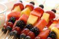 Сладкие канапе на шпажках на праздничный стол: простые рецепты с фото