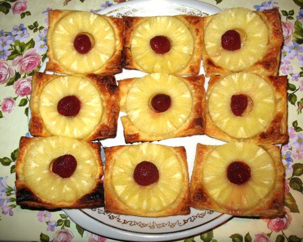 слойки с ананасом