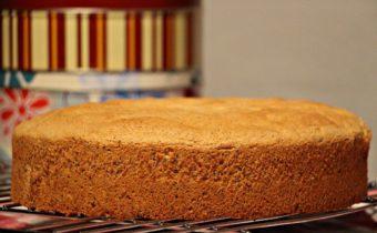 Секреты вкусного бисквита: особенности пропитки коржей