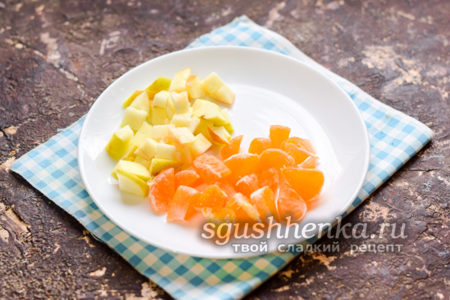 мандарин нарезать кубиками