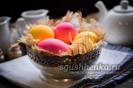 как покрасить яйца свеклой и куркумой
