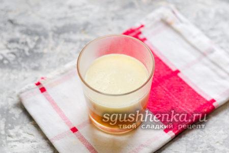 залить молочный слой