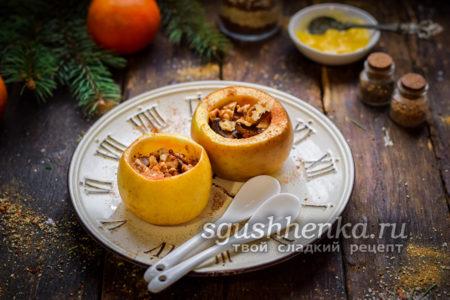 яблоки, запеченные с орехами и изюмом