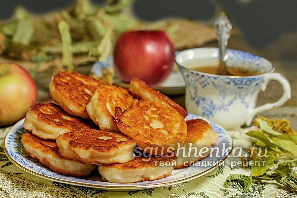 оладьи яблочные на кефире пышные