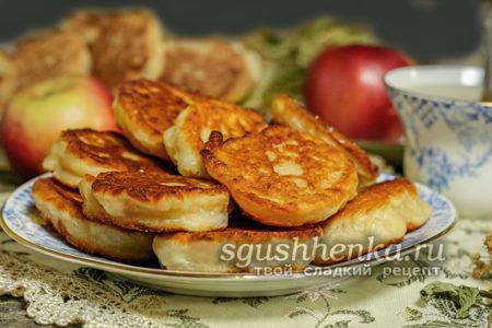 оладьи яблочные на кефире