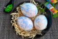 Оригинальная покраска яиц тканью к Пасхе